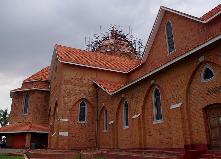 namirembe-cathedral-kampala-day-tour